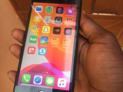 iphone 7 32 gig(jet black)