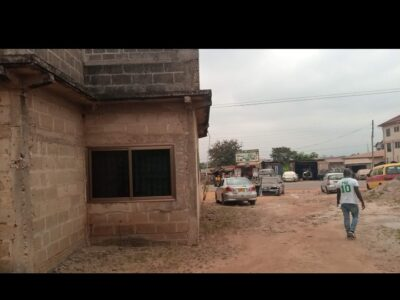 8bedroom house for sale