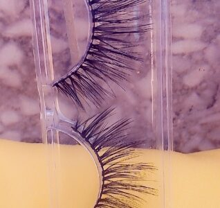 Set of Eyelash Extensions for Ladies