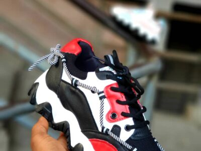 Unisex Fashionable Sneakers at Pleasant Price