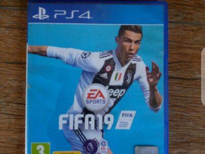 PS4: FIFA 19