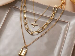 Multilayer gold necklace