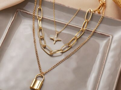 Multilayer gold necklace