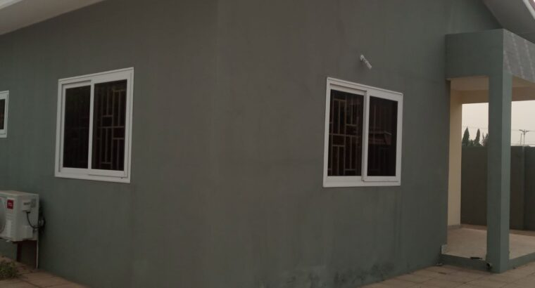 3BEDROOM HOUSE AT DEVTRACO COURTS