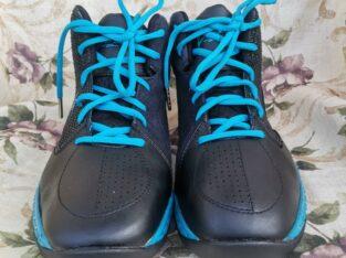 Voit man's Sneaker shoe